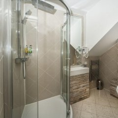 Отель 88 Studios Kensington Апартаменты с различными типами кроватей
