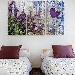 Отель Enzo B&B Montjuic 2* Стандартный номер с 2 отдельными кроватями (общая ванная комната)