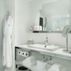 Отель SLS Las Vegas 4* Стандартный номер с различными типами кроватей фото 14