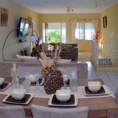 Отель Ackee Tree Sea View Villa Ямайка, Порт Антонио - отзывы, цены и фото номеров - забронировать отель Ackee Tree Sea View Villa онлайн питание фото 2