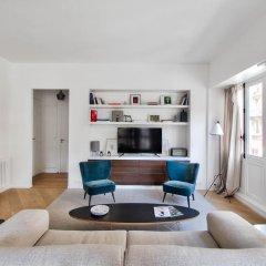 Отель Rue du Louvre - Luxury apartment Франция, Париж - отзывы, цены и фото номеров - забронировать отель Rue du Louvre - Luxury apartment онлайн комната для гостей фото 2
