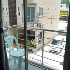 Отель At Phuket Guest House 2* Улучшенный номер с различными типами кроватей фото 9