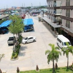 Отель Bs Residence Suvarnabhumi Бангкок парковка