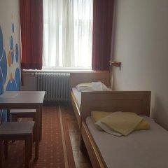 Youth Hostel Zagreb Стандартный номер с различными типами кроватей (общая ванная комната) фото 15