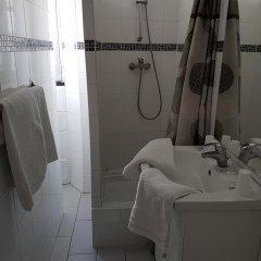 Отель Hôtel Résidence De Bruxelles Франция, Париж - 1 отзыв об отеле, цены и фото номеров - забронировать отель Hôtel Résidence De Bruxelles онлайн ванная