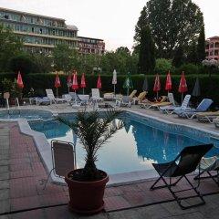 Семейный отель Друзья Солнечный берег бассейн фото 2