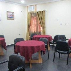 Отель Bright Value Resort Нигерия, Энугу - отзывы, цены и фото номеров - забронировать отель Bright Value Resort онлайн питание