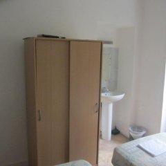 Central Hotel 3* Стандартный номер с двуспальной кроватью (общая ванная комната) фото 3