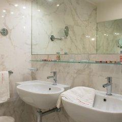 Отель Universal Terme Италия, Абано-Терме - 6 отзывов об отеле, цены и фото номеров - забронировать отель Universal Terme онлайн ванная