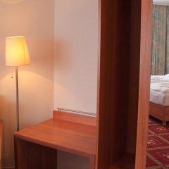 Отель Kaiser Германия, Берлин - отзывы, цены и фото номеров - забронировать отель Kaiser онлайн комната для гостей фото 3