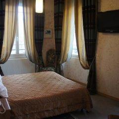 Отель Hôtel Les Chansonniers Стандартный номер с двуспальной кроватью фото 5