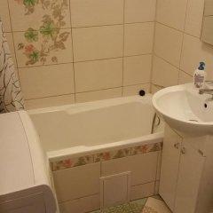 Гостиница na Zvezdnoy 7 в Калининграде отзывы, цены и фото номеров - забронировать гостиницу na Zvezdnoy 7 онлайн Калининград ванная