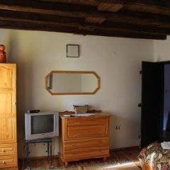 Отель Hadzhigabareva Kashta Стандартный номер с 2 отдельными кроватями (общая ванная комната) фото 2
