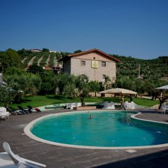 Отель Casale Ré Сперлонга бассейн