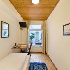 Hotel National Bern 2* Стандартный номер с различными типами кроватей (общая ванная комната) фото 5