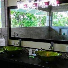 Отель Serenity Beach Cottages Гондурас, Остров Утила - отзывы, цены и фото номеров - забронировать отель Serenity Beach Cottages онлайн балкон