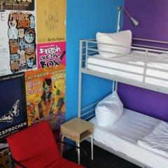 Отель St Christophers Inn Berlin Кровать в общем номере с двухъярусной кроватью фото 19