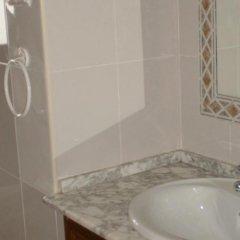 Отель Apartamentos Turísticos Cabo Roche ванная