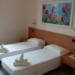 Отель Friendship Place 3* Стандартный номер с двуспальной кроватью фото 22