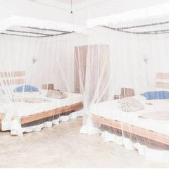 International Beach Hotel & Restaurant сауна