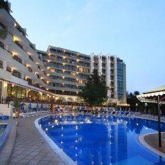 Отель Edelweiss- Half Board Болгария, Золотые пески - отзывы, цены и фото номеров - забронировать отель Edelweiss- Half Board онлайн бассейн фото 3