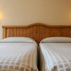 Отель Hostal Les Roquetes Керальбс комната для гостей фото 2