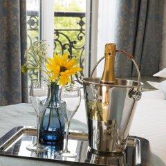 Hotel Plaza Elysées 4* Улучшенный номер с различными типами кроватей фото 3