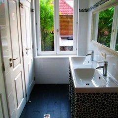 Hostel Lybeer Bruges Кровать в общем номере с двухъярусной кроватью фото 7