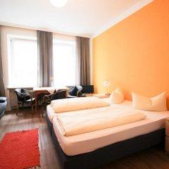 Отель Pension/Guesthouse am Hauptbahnhof Стандартный номер с двуспальной кроватью (общая ванная комната) фото 35