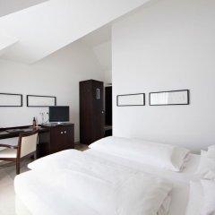 Burns Art Hotel 4* Стандартный номер с различными типами кроватей фото 3