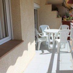 Отель Roc Mar 11B Испания, Курорт Росес - отзывы, цены и фото номеров - забронировать отель Roc Mar 11B онлайн балкон