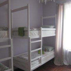 Hostel DomZhur Кровать в женском общем номере с двухъярусными кроватями фото 4