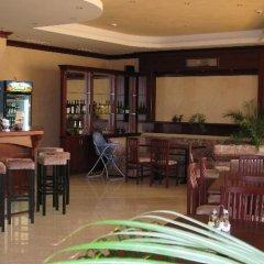 Отель Triumph Holiday Village гостиничный бар