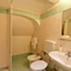 Отель Badia Fiorentina 2* Стандартный номер с двуспальной кроватью (общая ванная комната)