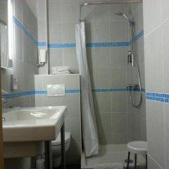 Отель Star Hôtel 2* Стандартный номер с различными типами кроватей фото 7