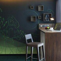 Отель U Sukhumvit Bangkok 4* Семейный номер Делюкс с двуспальной кроватью фото 9