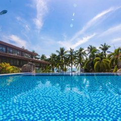 Sanya South China Hotel бассейн