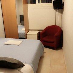 Отель Overseas Guest House Стандартный номер с различными типами кроватей (общая ванная комната) фото 13