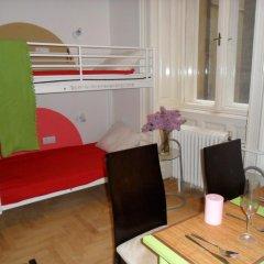 Hostel Budapest Center Кровать в общем номере с двухъярусной кроватью
