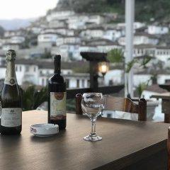 Отель Guesthouse Arben Elezi Албания, Берат - отзывы, цены и фото номеров - забронировать отель Guesthouse Arben Elezi онлайн гостиничный бар