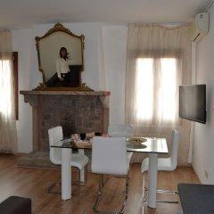 Отель Suite in Venice Ai Carmini 3* Апартаменты с различными типами кроватей фото 8