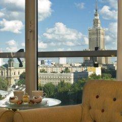 Отель Radisson Collection Hotel Warsaw Польша, Варшава - 12 отзывов об отеле, цены и фото номеров - забронировать отель Radisson Collection Hotel Warsaw онлайн балкон