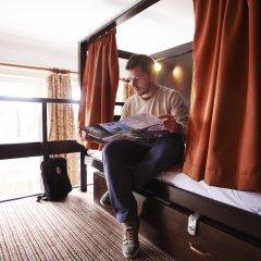 Отель Palmers Lodge Swiss Cottage Кровать в общем номере фото 7