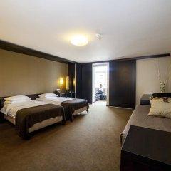 Hotel Expo Astoria 3* Стандартный семейный номер с различными типами кроватей фото 2