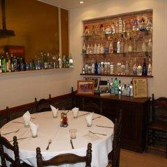 Отель Hostal Barnes Испания, Санта-Кристина-де-Аро - отзывы, цены и фото номеров - забронировать отель Hostal Barnes онлайн питание