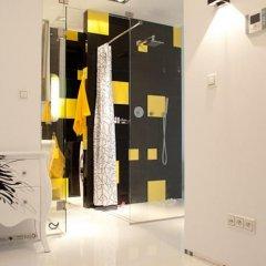 Апартаменты Art Apartment сейф в номере