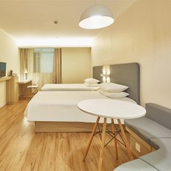 Отель Hanting Hotel Shenzhen Zhuzilin Китай, Шэньчжэнь - отзывы, цены и фото номеров - забронировать отель Hanting Hotel Shenzhen Zhuzilin онлайн комната для гостей фото 5