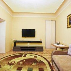 Апартаменты Авcтрийские Апартаменты во Львове комната для гостей фото 2