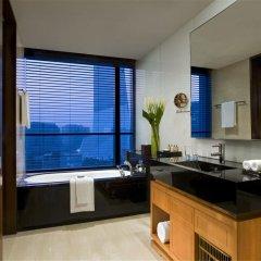 Отель Grand Millennium Beijing 5* Улучшенный номер с различными типами кроватей фото 2