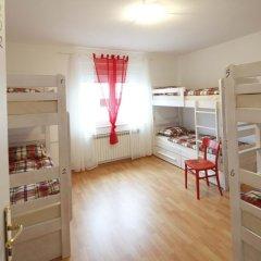 Pozitiv Hostel Кровать в общем номере с двухъярусной кроватью фото 9